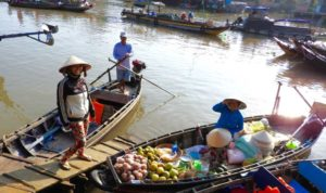 Floating Market, Phong Dien, Mekong Delta, Vietnam. Photo by Shanti Cantrelle © Feb. 2016